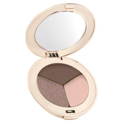 Jane Iredale PurePressed Eye Shadow Trio Brown Sugar Change your look from soft and elegant to edgy and sleek. These silky shadows are highly pigmented and long-lasting. They easily blend on the lids to create any look.