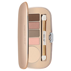 Jane Iredale Eye Shadow Kit - Naturally Matte 1 piece Give your eyes a beautiful make-up look with this eye shadow kit. Features 5 brilliant eye shadow shades to create the perfect day time or night time look for you. High pigmented shades are crease-resistant, long-lasting and easily blendable. Packaged in a sleek mirrored, rose gold compact to make it easy to take on the go.
